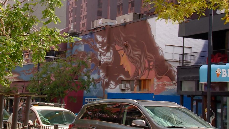 Murals versus Graffiti