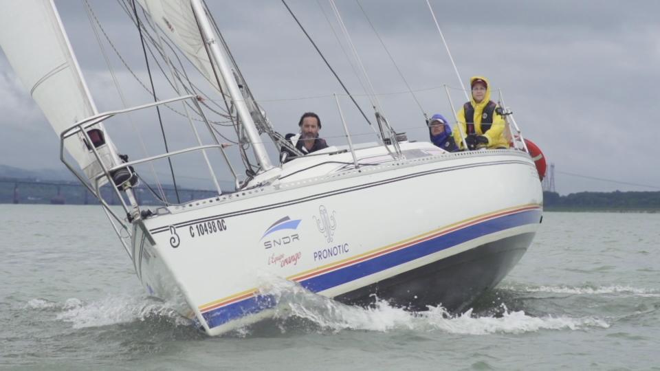 Le bateau de course Esprit de corps IV