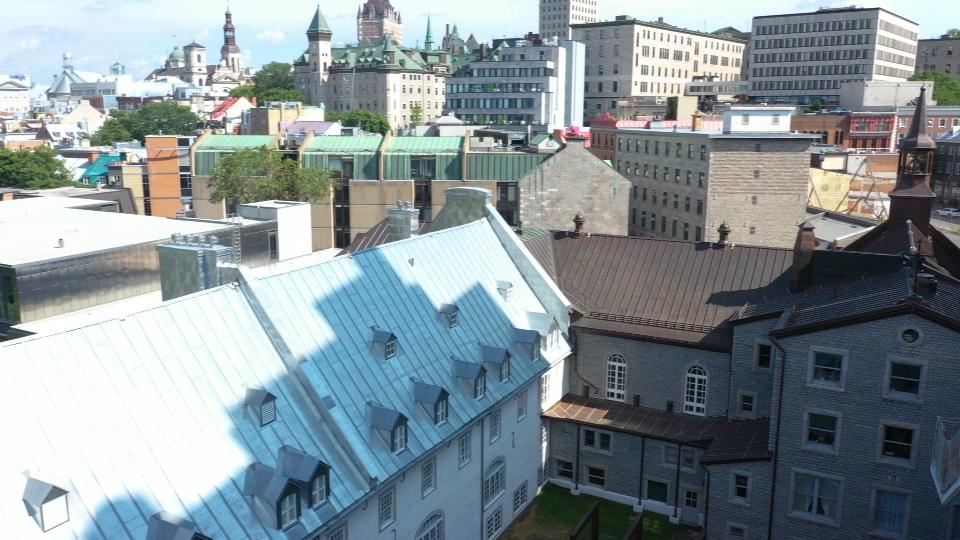 Le Québec et la lutte à la contrebande d'alcool.